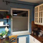 Szara plisa w kuchni